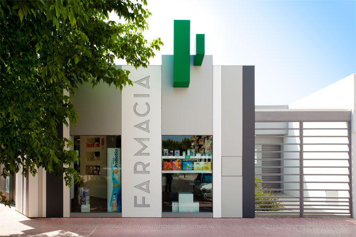 Fachada Principal Farmacia Fidiana Chicane Timeline